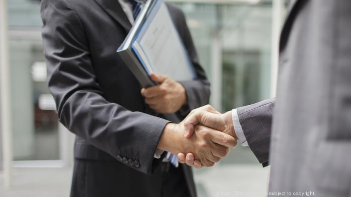 How to present yourself professionally — it's more than shaking hands