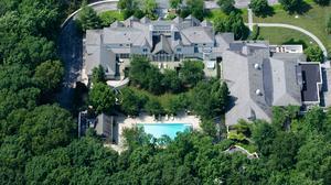 Hundreds tour Cal Ripken's estate weeks before auction (Photos)
