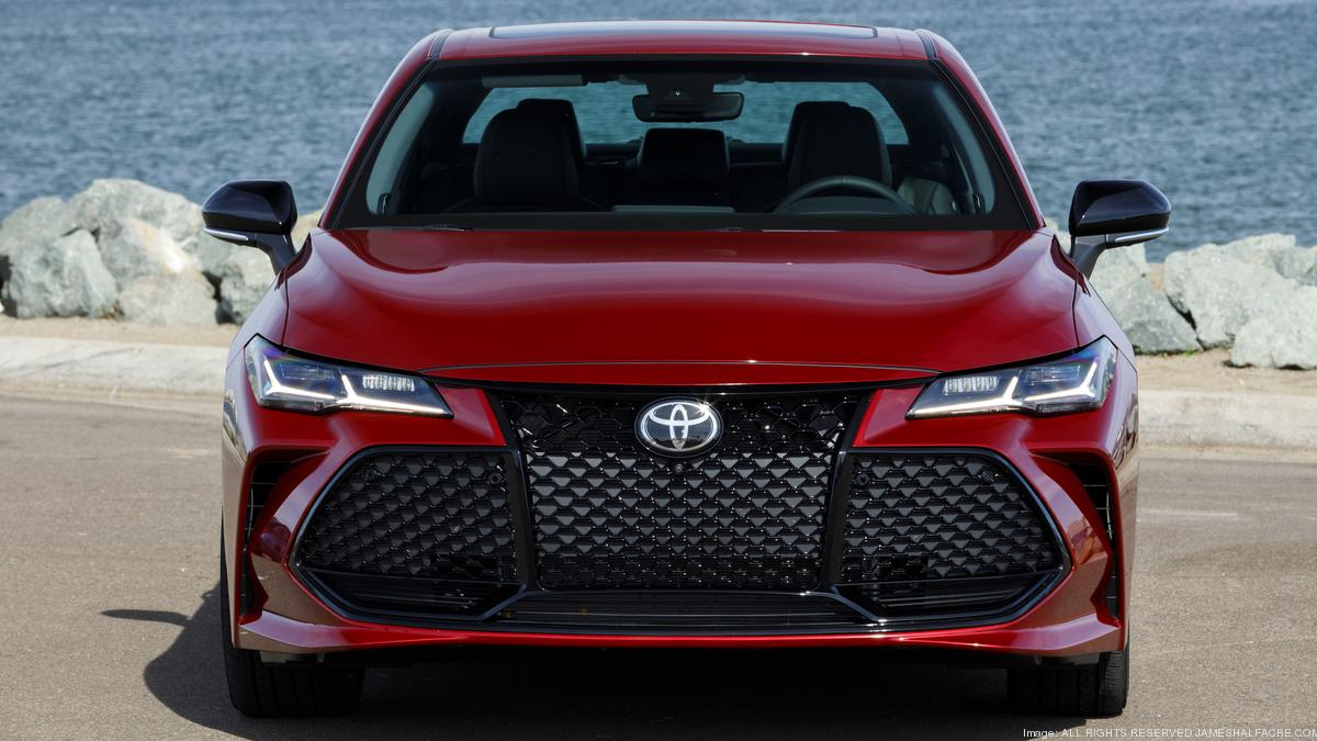 Automotive Minute: Redesigned 2019 Toyota Avalon mostly