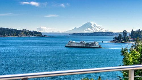 Island Living on Sundance Lane with Views of Mount Rainier and Rich Passage