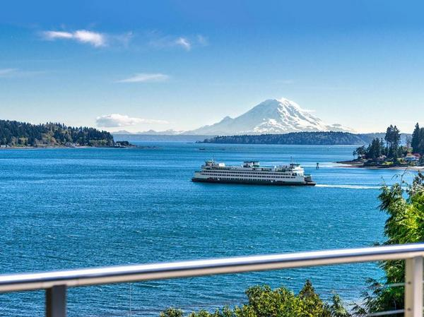 Home of the Day: Island Living on Sundance Lane with Views of Mount Rainier and Rich Passage