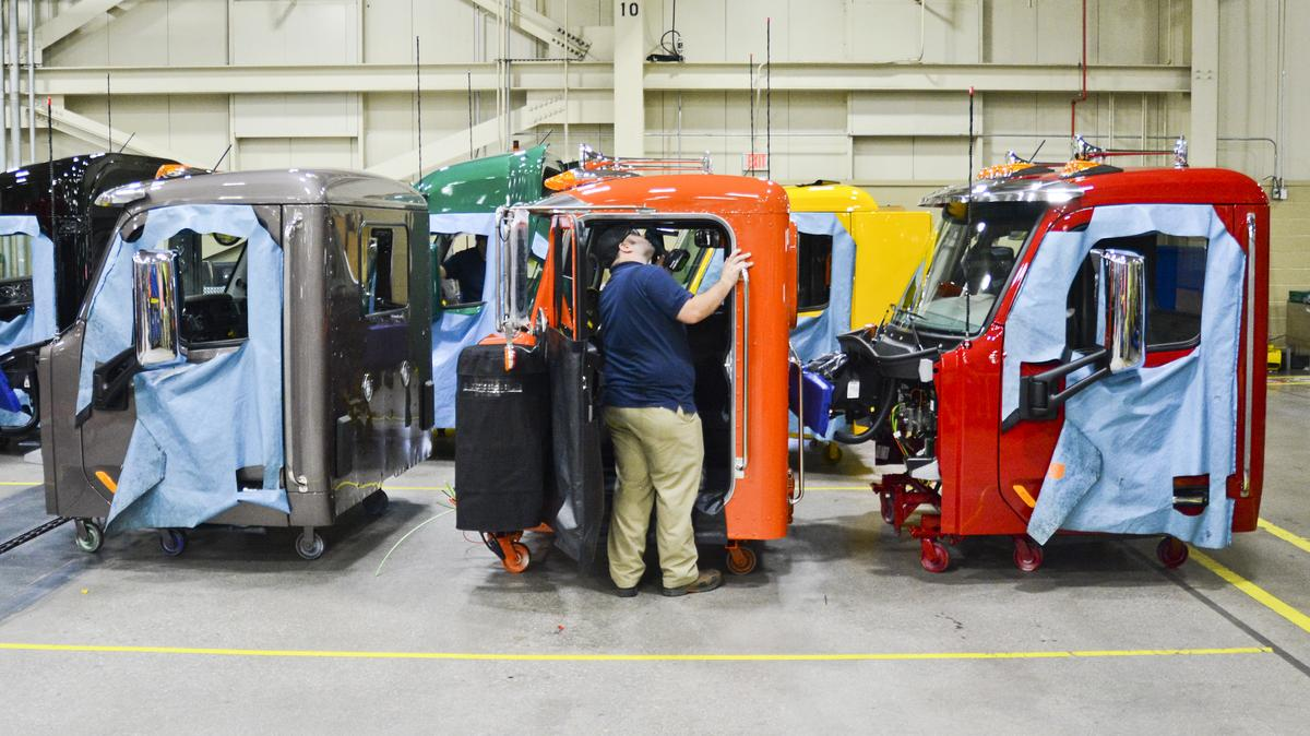 Electric Companies In Texas >> Peterbilt to make an all-electric truck as Tesla's semi ...
