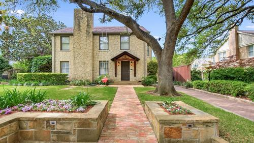 Classic Estate in Olmos Park