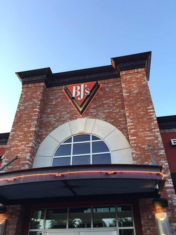 Bj S Restaurant Brewhouse Is Coming To Rookwood