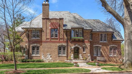 The Moorlands is calling! 833 Audubon Now Offered