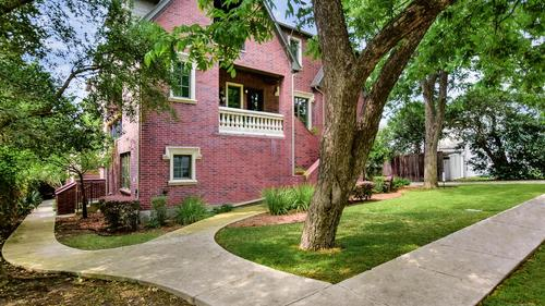 Beautifully Appointed Condo in AHISD