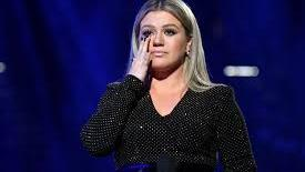 Kelly Clarkson calls for 'moment of action'