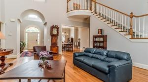 Beautiful Home in Windsor Court Neighborhood!