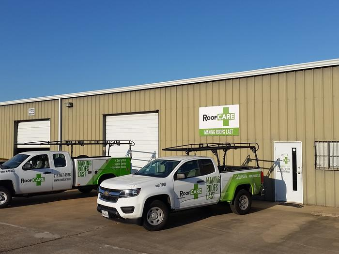 Local roofing contractor expands to Houston