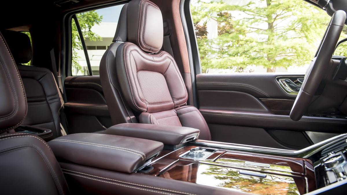 Automotive Minute: 2018 Lincoln Navigator is a pretty ...