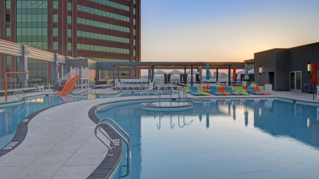 separation shoes 4b6e3 83175 Here s a look at Merritt Clubs  Canton rooftop pool - Baltimore Business  Journal