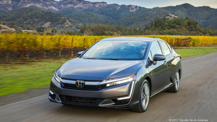 Automotive Minute 2018 Clarity Is A Delightful Plug In Hybrid Entry Into Honda S Sedan Lineup Photos