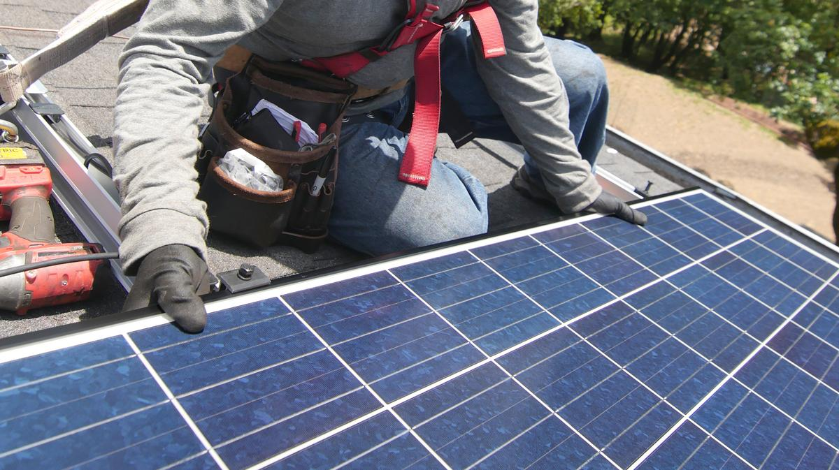 A Rechargeable Battery to Power a Home from Rooftop Solar Panels