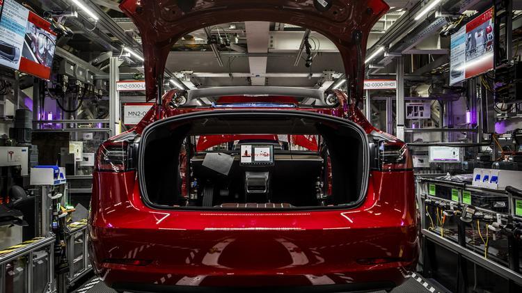 Cars By John Munro >> Auto Teardown Expert Sandy Munro Who Slammed Tesla Model 3 S Build