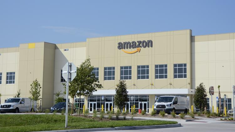 The parking lot and landscaping are in place at Amazon's Lake Nona distribution facility.
