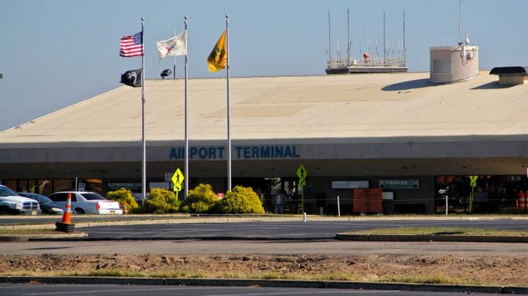 Trenton-Mercer Airport looks to add terminal, stokes worry