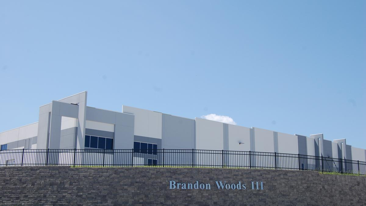 Best Buy Leases 500 000 Sf Warehouse In Aa County For