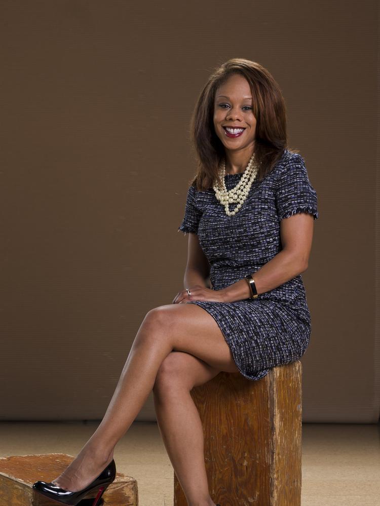Stephanie Meadows builds relationships for Wells Fargo Advisors - St