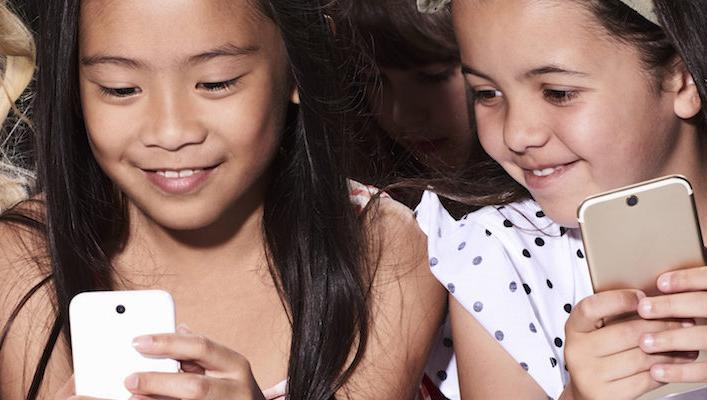 Family Kuvrr helps parents monitor children's cellphone