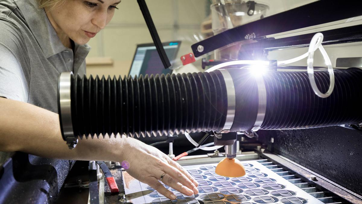 Omax Corp  expands waterjet cutting machine business to smaller