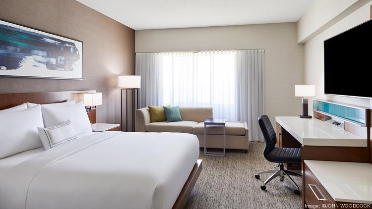Guestroom In The Delta Hotels Phoenix Mesa