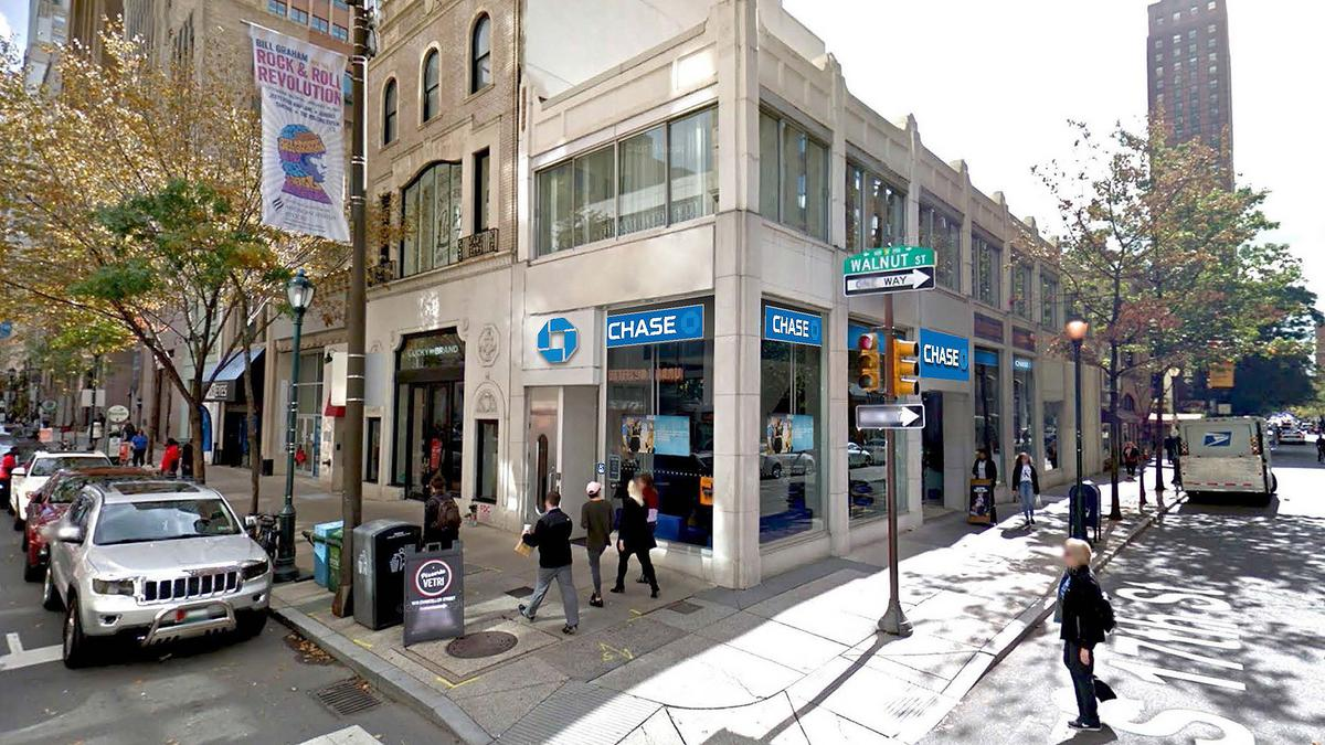 JPMorgan Chase plans 50 retail branches, 300 employees in