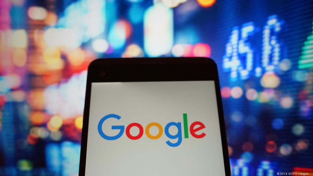 Google in talks to move into banking
