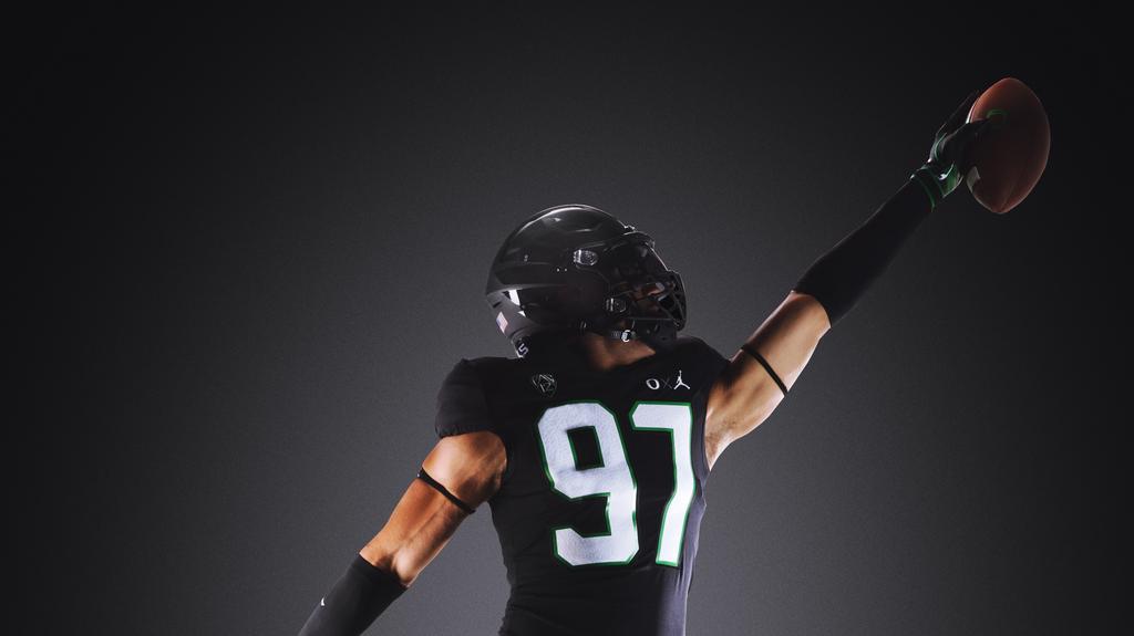detailed look 72e55 2ee20 University of Oregon unveils Jordan/Nike collaboration ...