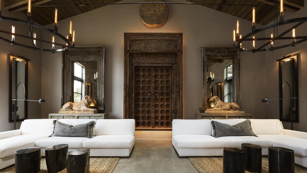 restoration hardware to lay off more than 80 jobs