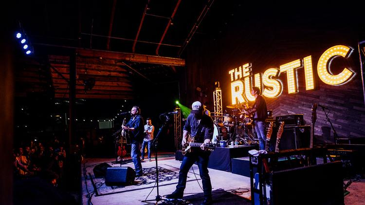 Pat Green S Restaurant The Rustic Opens In Downtown Houston