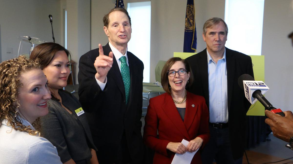Wyden, Merkley, Blumenauer vow to fight for federal infrastructure money to cap I-5, reconnect Albina - Portland Business Journal