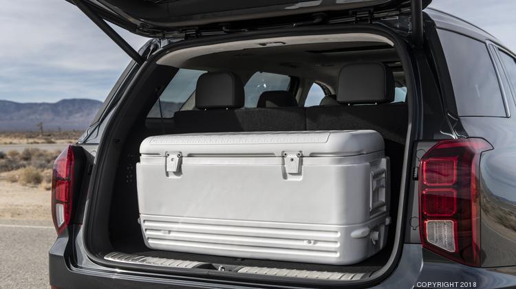 Automotive Minute 2020 Hyundai Palisade Jumps Into Three Row Suv
