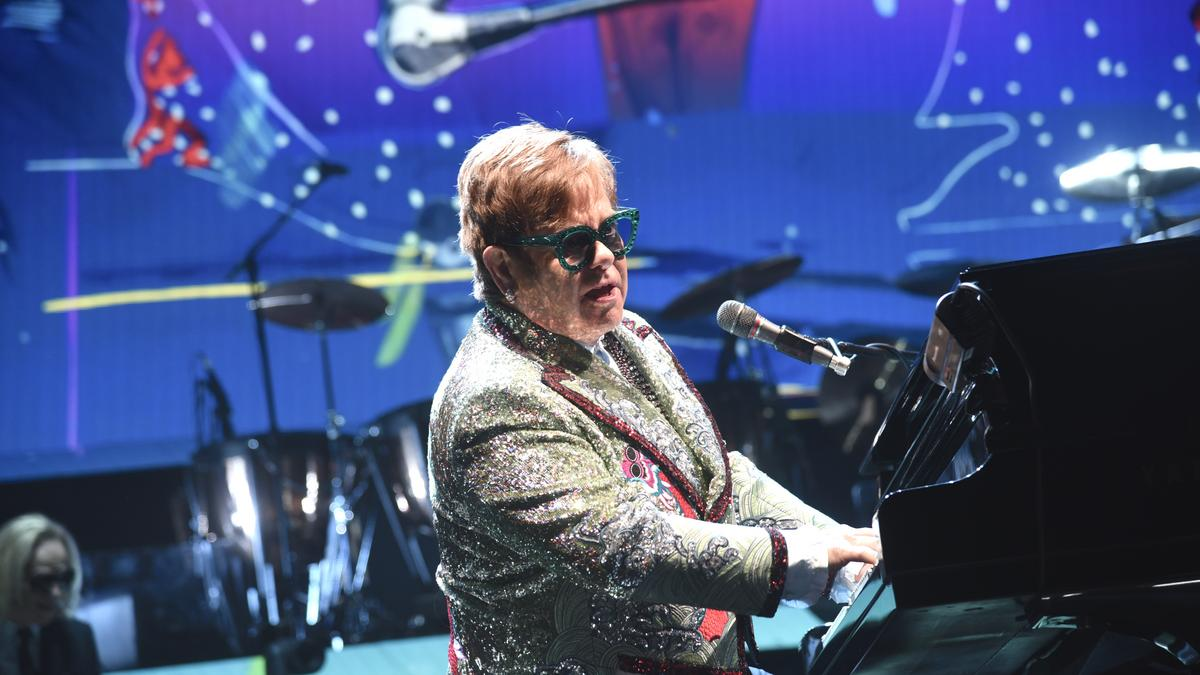 Elton John returning t...