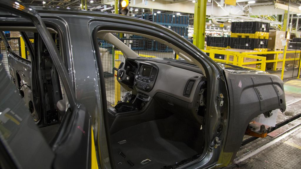 GM says it will invest $1.5B in Wentzville, keep 4,000 jobs