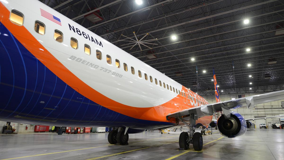 Sun Country Shows Off Its New Boeing 737 800 Gallery Minneapolis St Paul Business Journal