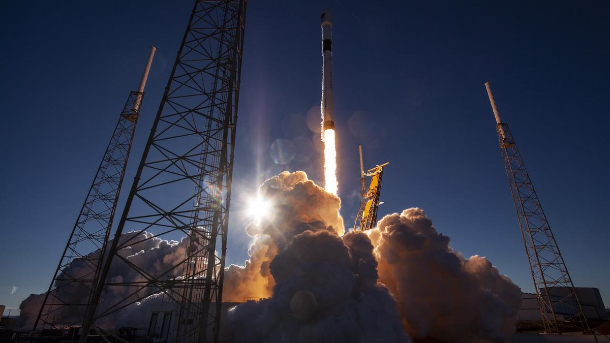 SpaceX sues to stop Air Force rocket funding won by ULA, Blue Origin