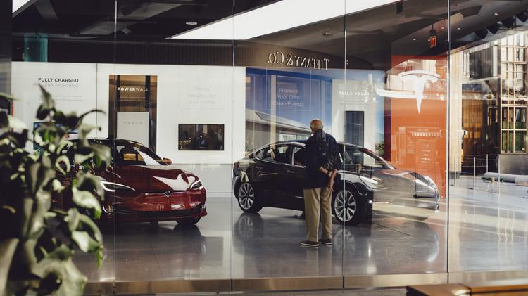 Palo Alto Based Tesla Opens 25 New Stores After Promising