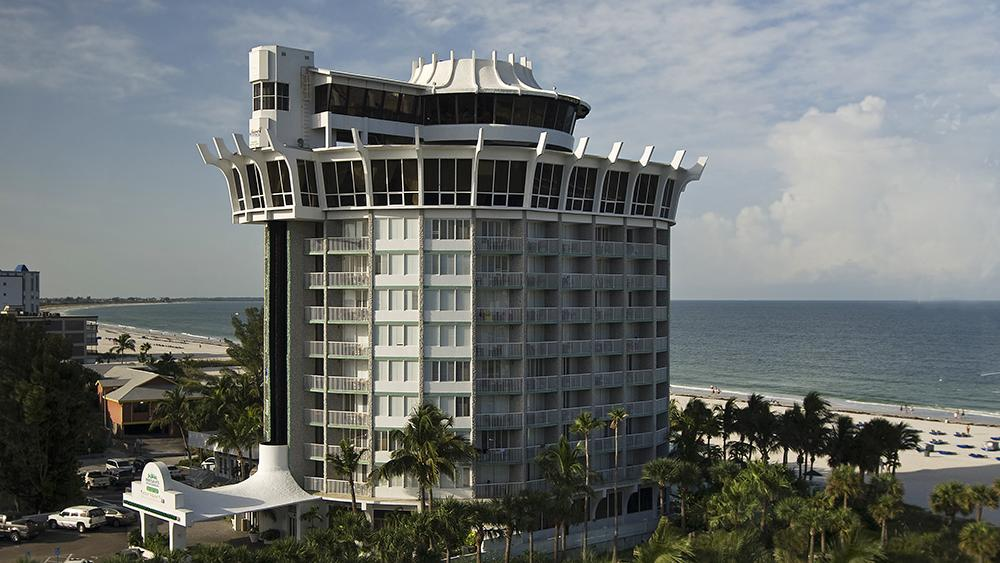 Grand Plaza On St Pete Beach Lays Off Employees Tampa Bay Business Journal
