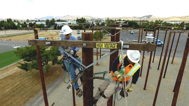 PG&E widens power shut-off plan for high winds, dry weather