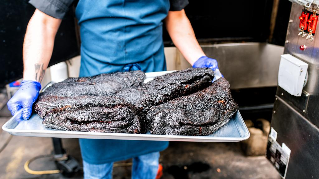 A local barbecue favorite expands to St. Charles