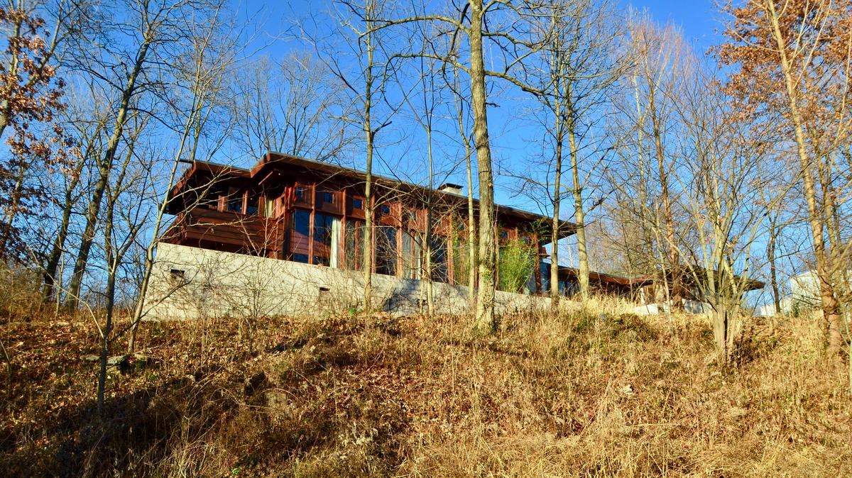 Picture of: Frank Lloyd Wright Home To Be Sold Cincinnati Business Courier