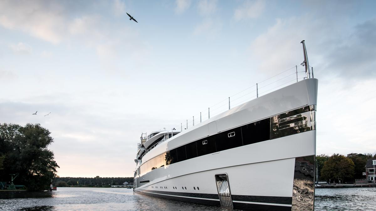 Dan Snyder buys $100 million yacht with Imax theater