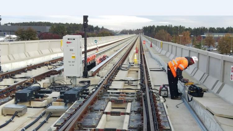 Metrorail trains roll on Silver Line extension - Washington