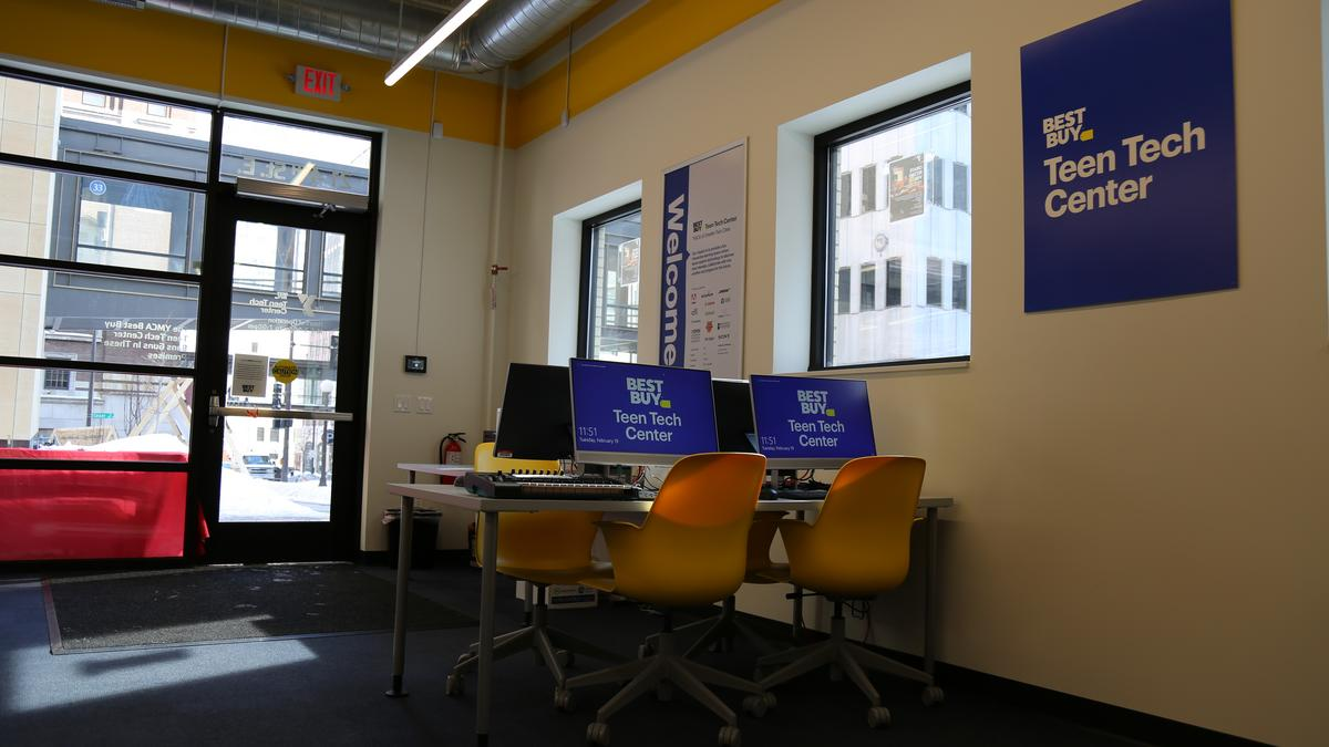 Best Buy opens fifth Twin Cities Teen Tech Center in St. Paul (gallery) - Minneapolis / St. Paul Business Journal