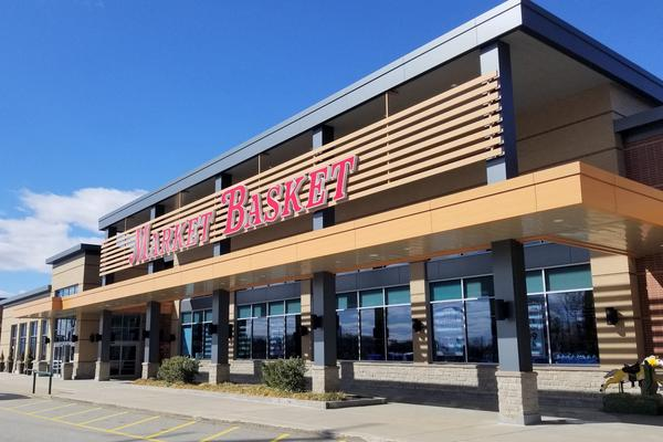 Market Basket accused in lawsuit of mismanaging retirement