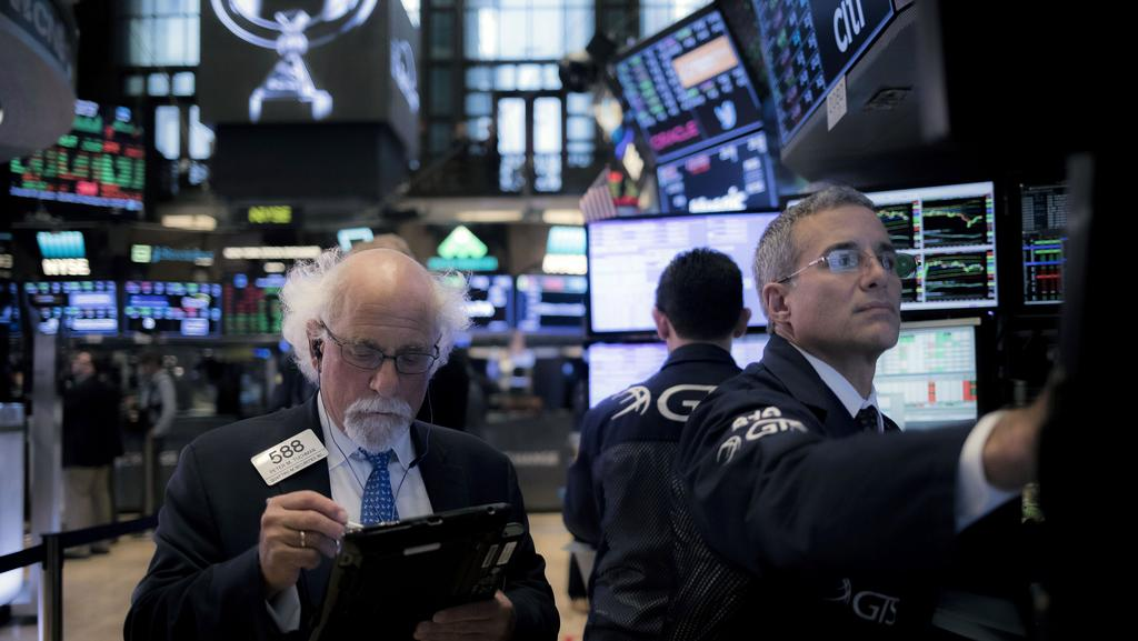 Wall Street braced for 'earnings recession' as margins fall