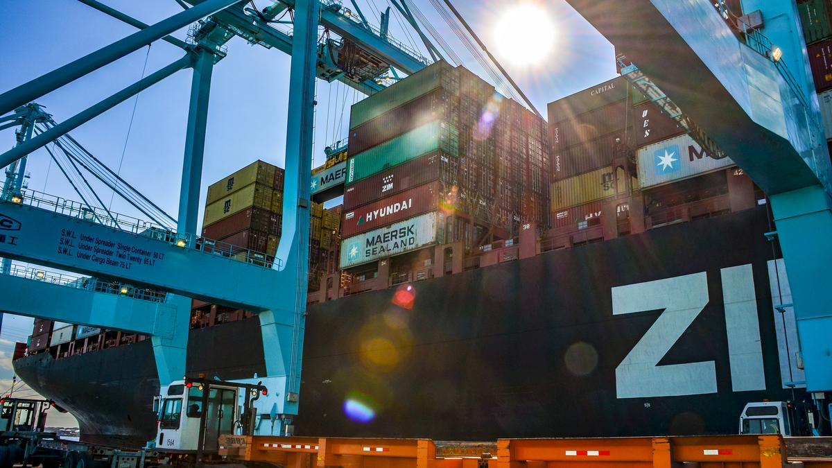 Moody's Investors Service impressed by Jaxport's $240 million deal