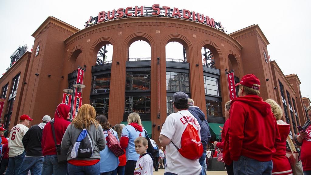 Cardinals extend radio deal with KMOX