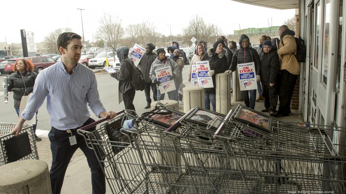 Stop & Shop faces a major hurdle surviving strike: A tight labor