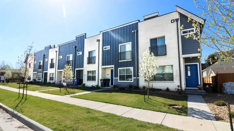 Deals & Dealmakers: Townhouse projects snags $150k above
